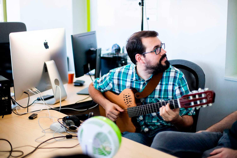 Víctor M. - Transcriptores profesionales de música